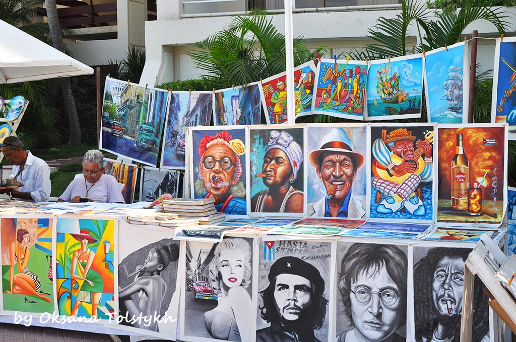 Обычный рыночек с сувенирами на территории отеляSol Rio de Luna Y Mares (Holguin)